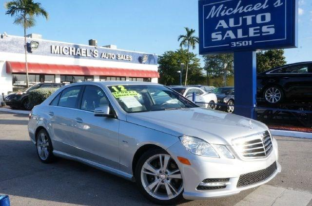 2012 MERCEDES-BENZ E-CLASS E350 iridium silver metallic 99 point safety inspection clean c