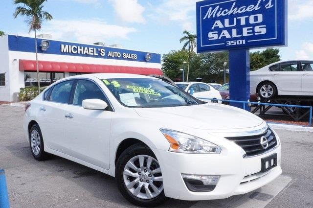 2013 NISSAN ALTIMA 25 S 4DR SEDAN pearl white automatic 99 point safety inspection clean