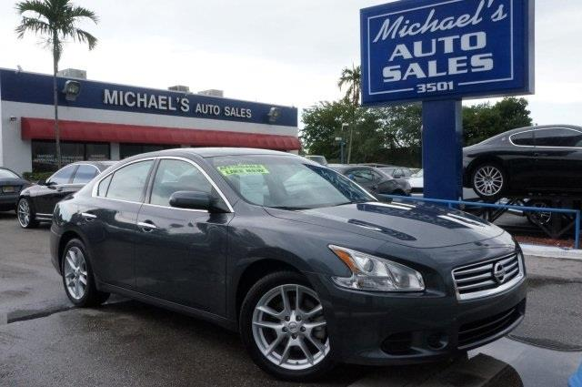 2013 NISSAN MAXIMA 35 S 4DR SEDAN metallic slate join us at michaels auto sales in a class by i