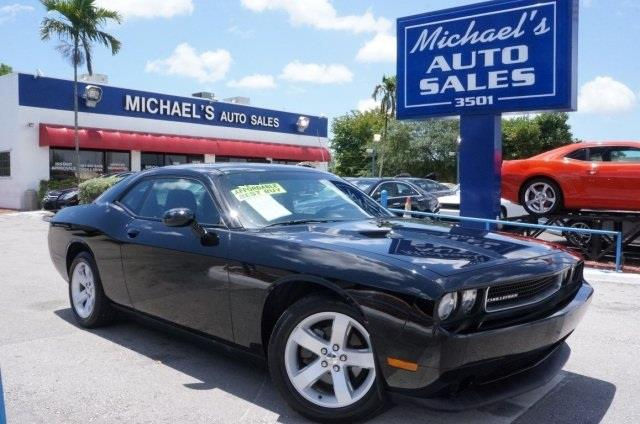2013 DODGE CHALLENGER SXT 2DR COUPE black get ready to enjoy wont last long are you looking f
