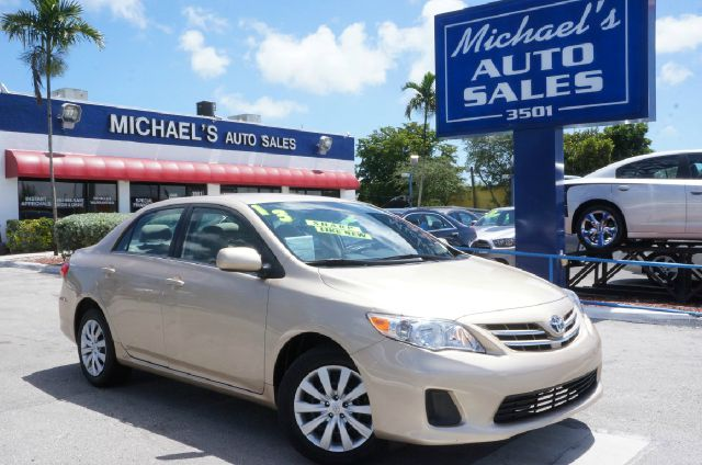 2013 TOYOTA COROLLA LE 4DR SEDAN 4A sandy beach metallic clean carfax automatic and