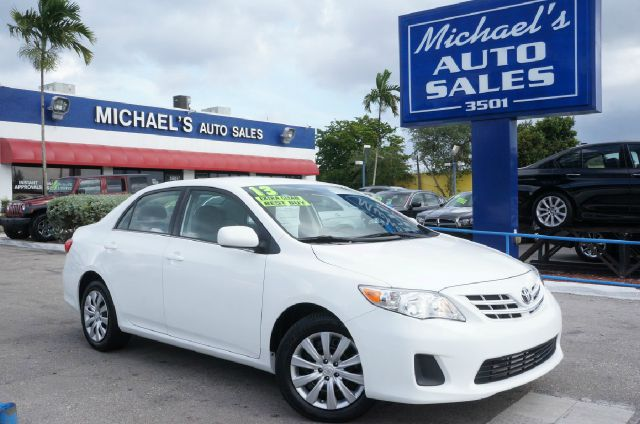 2013 TOYOTA COROLLA LE 4DR SEDAN 4A super white 99 point safety inspection automatic and