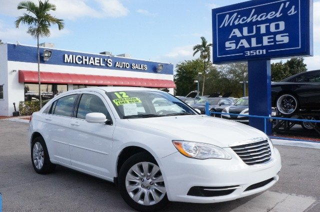 2012 CHRYSLER 200 LX bright white clearcoat 99 point safety inspection automatic clean