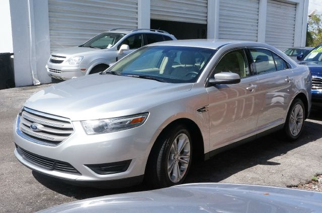 2013 FORD TAURUS SEL ingot silver metallic 99 point safety inspection and clean carfax it