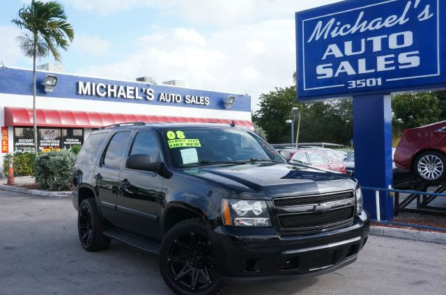 2008 CHEVROLET TAHOE LS black      i knew that would get your attention now that i have it