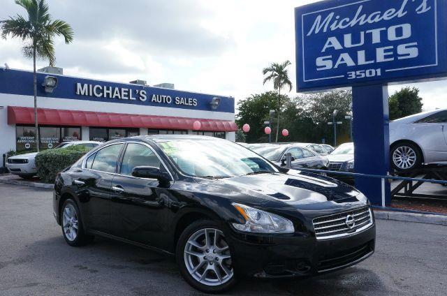 2010 NISSAN MAXIMA 35 S navy blue clean title runs like a top awesome      i knew that wo