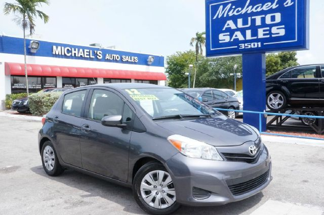 2012 TOYOTA YARIS L magnetic gray metallic clean carfax 99 point safety inspection a