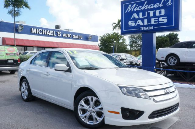 2012 FORD FUSION SE 4DR SEDAN white platinum metallic tri-co 99 point safety inspection cl