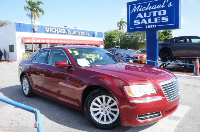2013 CHRYSLER 300 BASE deep cherry red crystal pearlc clean carfax 99 point safety inspec