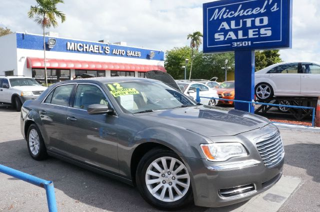 2012 CHRYSLER 300 BASE tungsten metallic clearcoat 99 point safety inspection automatic
