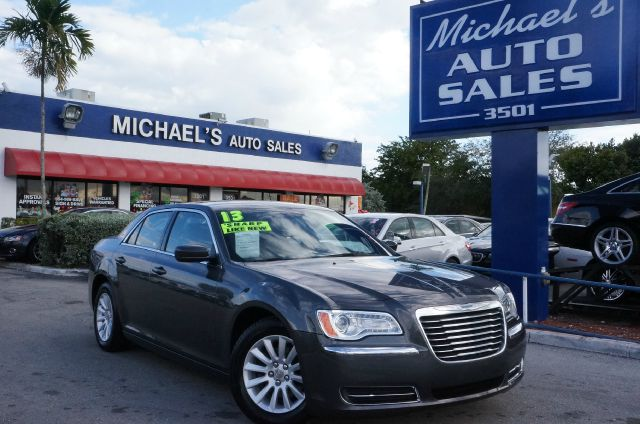2013 CHRYSLER 300 BASE crystal metallic big savings effortless travel in an enjoyable ride if