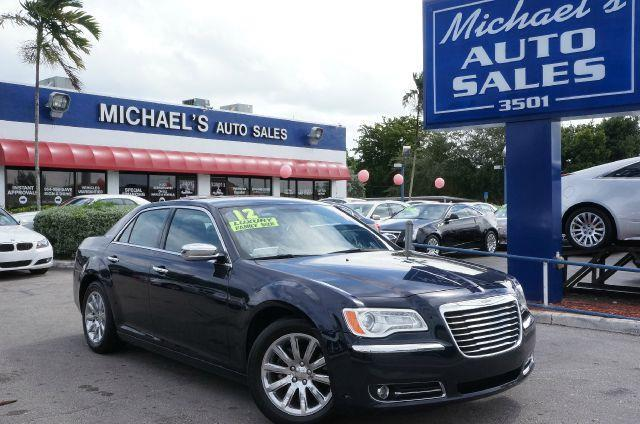 2012 CHRYSLER 300 LIMITED crystal blue pearlcoat clean title come to the experts flex fuel are