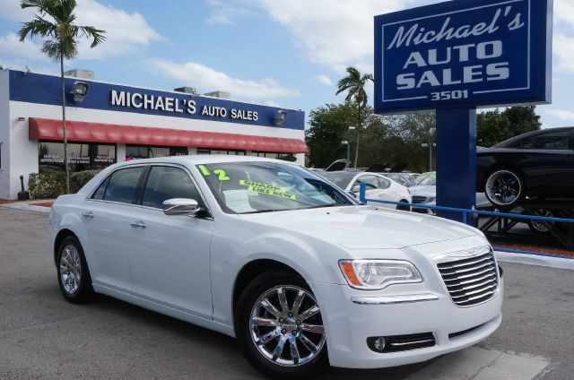2012 CHRYSLER 300 LIMITED bright white clearcoat 99 point safety inspection automatic an