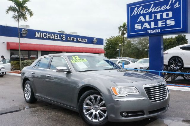2012 CHRYSLER 300 LIMITED tungsten metallic clearcoat 99 point safety inspection automatic