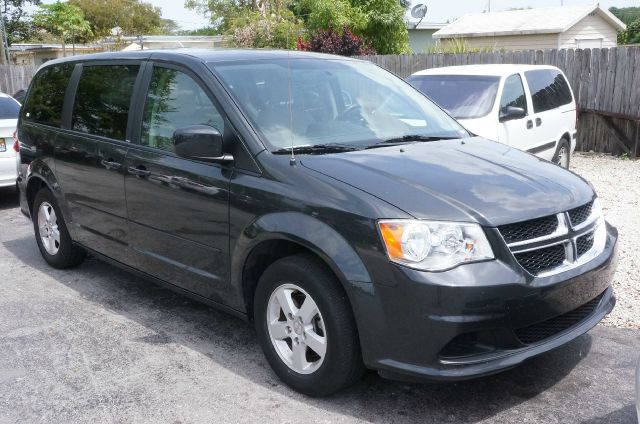 2012 DODGE GRAND CARAVAN SXT brilliant black crystal pearlc clean carfax 99 point safety