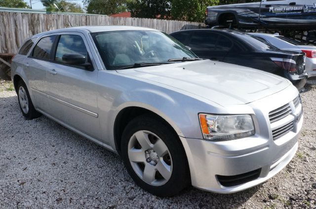 2008 DODGE MAGNUM BASE bright silver metallic clearco if your on the fence about getting that new