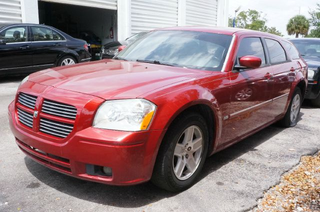 2007 DODGE MAGNUM SXT inferno red crystal pearlcoat cloth low-back bucket seatsamfm compact disc