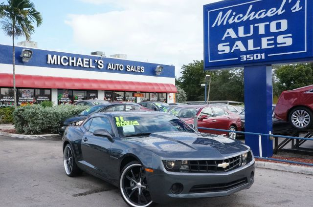 2011 CHEVROLET CAMARO 1LS cyber gray metallic dont miss your opportunity at owning this good-look