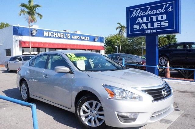 2013 NISSAN ALTIMA 25 S 4DR SEDAN brilliant silver metallic in a class by itself why pay more fo