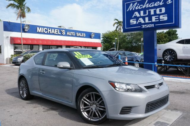 2011 SCION TC BASE magnetic gray metallic clean carfax clean title leather and