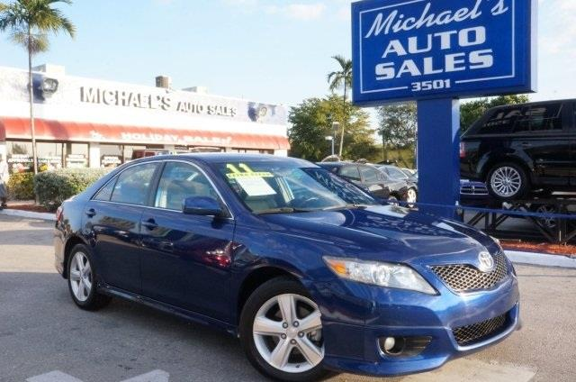 2011 TOYOTA CAMRY blue right car right price michaels auto sales means business ride charact