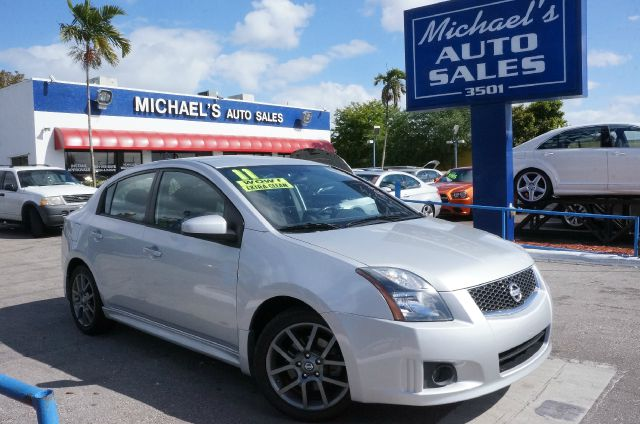 2011 NISSAN SENTRA SE-R brilliant silver metallic price reduced   sentra se-r charcoal wle