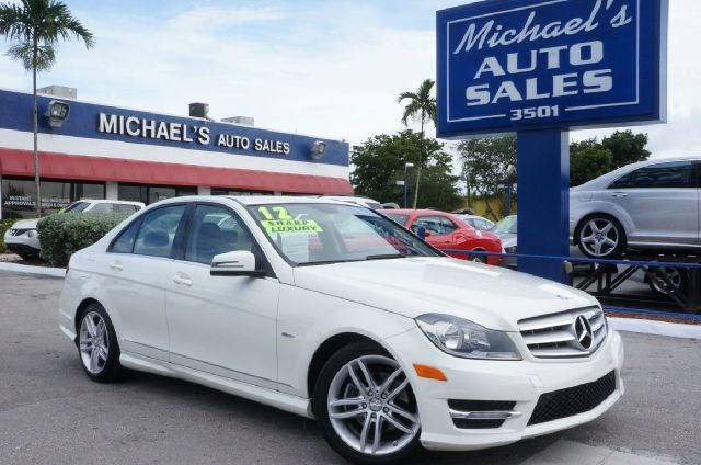 2012 MERCEDES-BENZ C-CLASS C250 arctic white 99 point safety inspection clean carfax