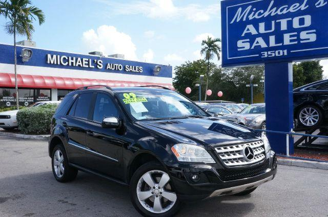 2009 MERCEDES-BENZ M-CLASS ML350 black want an suv to make heads turn and take notice as you driv