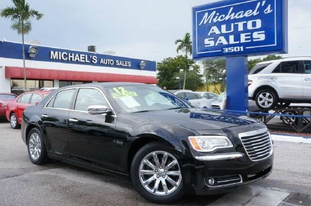 2012 CHRYSLER 300 LIMITED 4DR SEDAN gloss black 99 point safety inspection automatic and