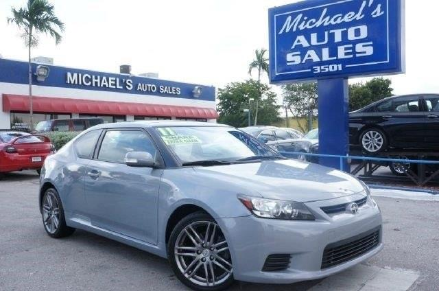 2011 SCION TC BASE 2DR COUPE 6A classic silver metallic 99 point safety inspection automati