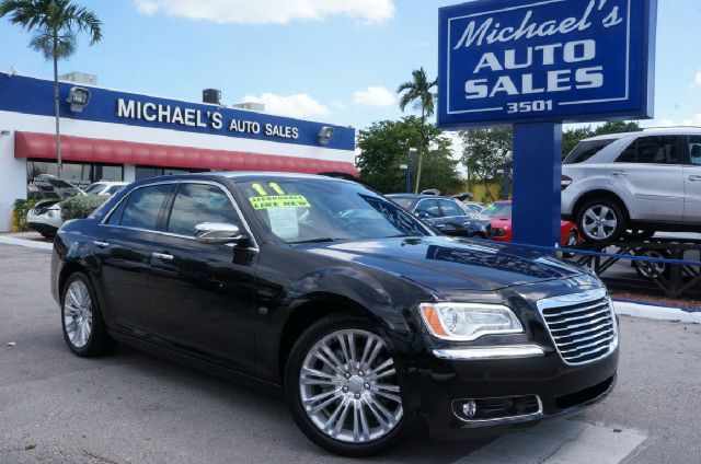 2011 CHRYSLER 300 C 4DR SEDAN unspecified 99 point safety inspection clean carfax le