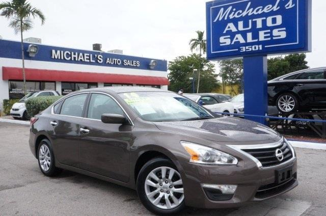 2013 NISSAN ALTIMA 25 S 4DR SEDAN java metallic super clean cvt xtronic seating is perfect for