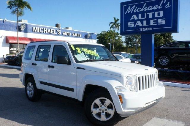 2012 JEEP LIBERTY SPORT 4X2 4DR SUV bright white clearcoat 99 point safety inspection clea