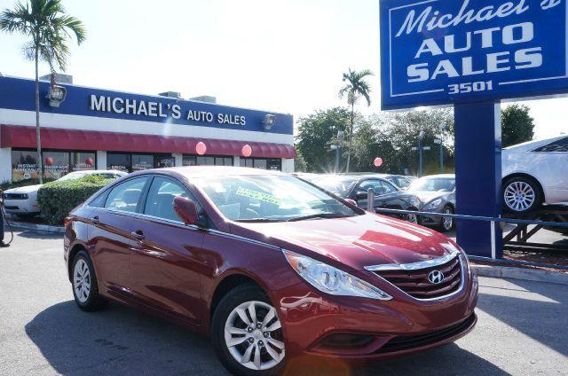 2012 HYUNDAI SONATA GLS sparkling ruby mica come to the experts all the right ingredients dont