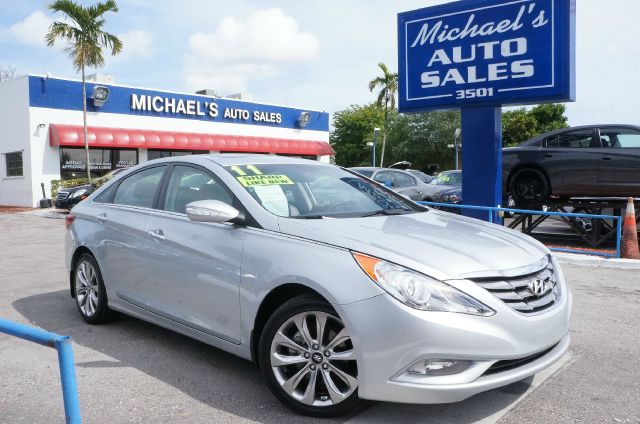 2011 HYUNDAI SONATA LIMITED iridescent silver blue pearl 99 point safety inspection automat