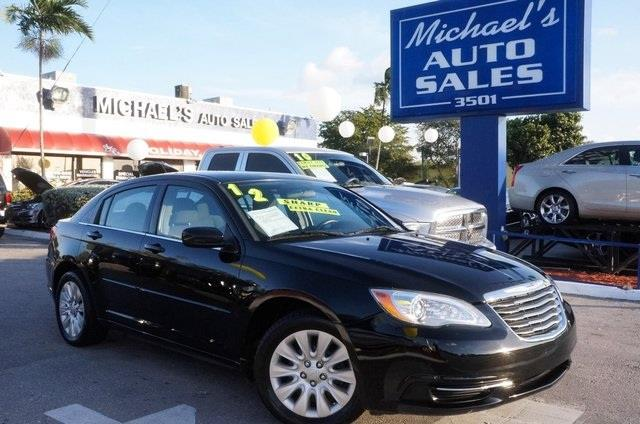 2012 CHRYSLER 200 LX 4DR SEDAN black clean carfax automatic and price reduced bla