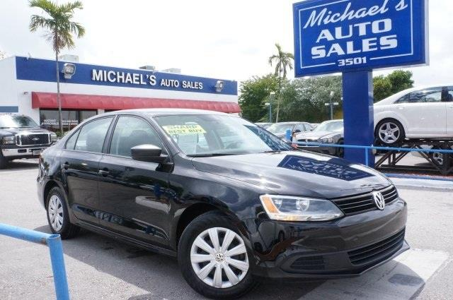2014 VOLKSWAGEN JETTA S 4DR SEDAN 6A black uni why pay more for less the michaels auto sales ad