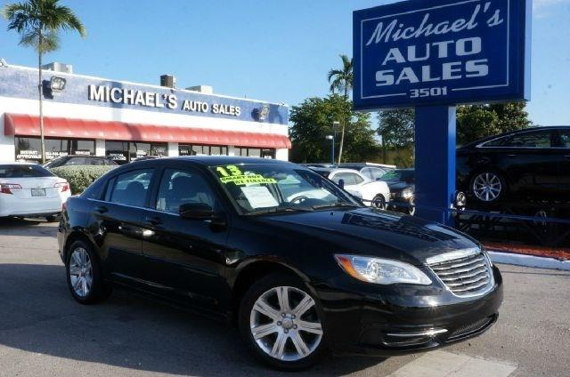 2013 CHRYSLER 200 TOURING 4DR SEDAN black clearcoat 99 point safety inspection automatic