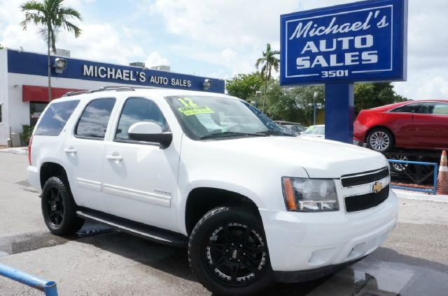 2012 CHEVROLET TAHOE LT 4X4 4DR SUV summit white 4wd clean carfax 4x4 99 point safe