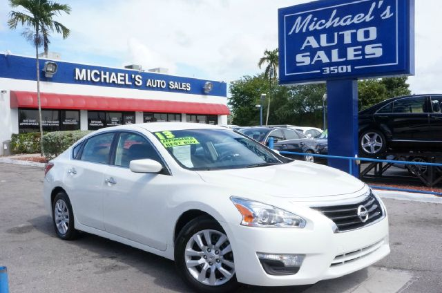 2013 NISSAN ALTIMA 25 S 4DR SEDAN pearl white 16 x 70 steel wfull covers wheelscloth seat