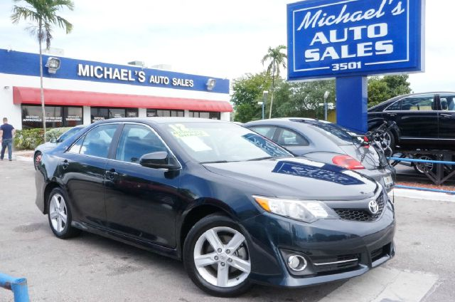2012 TOYOTA CAMRY SE 4DR SEDAN attitude black metallic clean carfax 99 point safety inspe