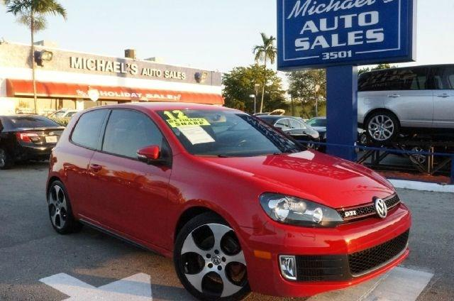 2012 VOLKSWAGEN GTI BASE tornado red 99 point safety inspection local trade clean car