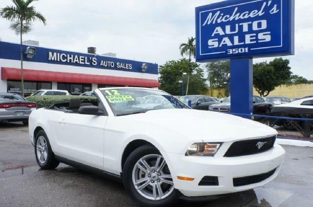2012 FORD MUSTANG V6 2DR CONVERTIBLE performance white 99 point safety inspection clean ca