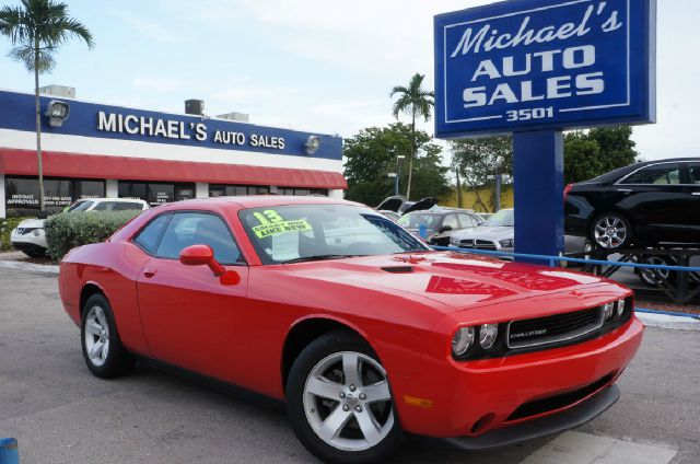 2014 DODGE CHALLENGER SXT 2DR COUPE high octane red pearlcoat 99 point safety inspection c
