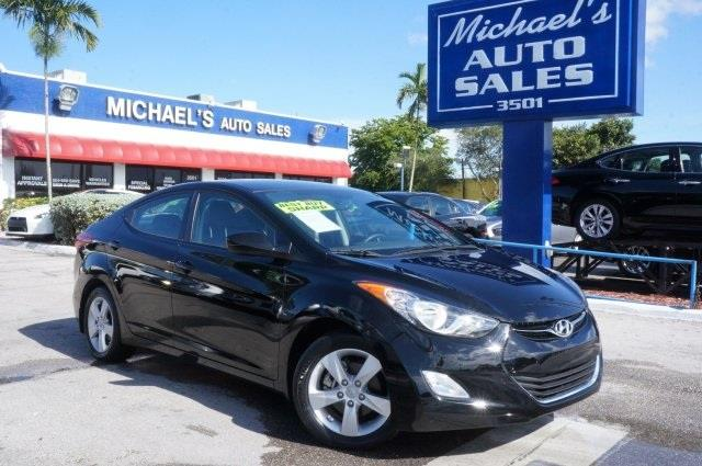 2011 HYUNDAI ELANTRA GLS black noir pearl in a class by itself why pay more for less this han