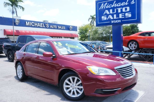 2013 CHRYSLER 200 TOURING 4DR SEDAN deep cherry red crystal pearlc clean carfax 99 point