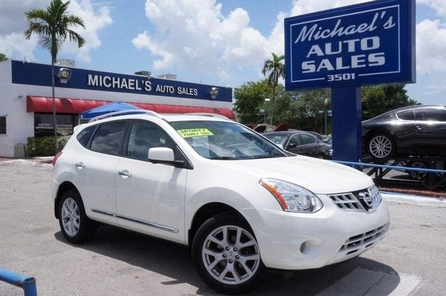 2010 NISSAN ROGUE S 4DR CROSSOVER phantom white pearl 4 speakersamfm radioamfmcd audio system