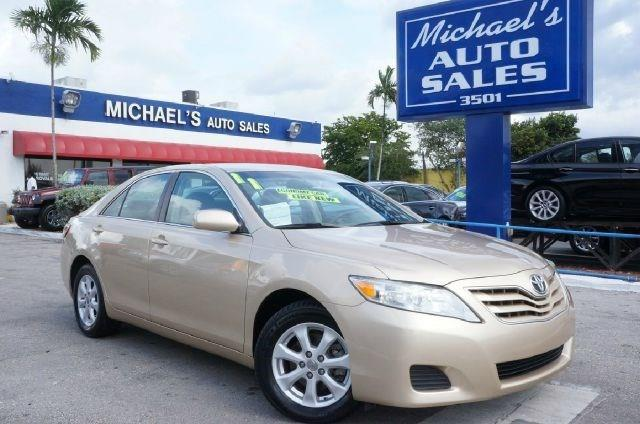 2011 TOYOTA CAMRY LE 4DR SEDAN 6A sandy beach metallic 99 point safety inspection automatic