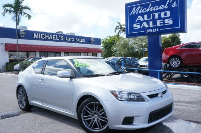 2011 SCION TC BASE classic silver metallic clean carfax 99 point safety inspection a