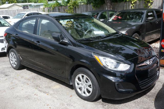2012 HYUNDAI ACCENT GLS ultra black 99 point safety inspection automatic price reduced